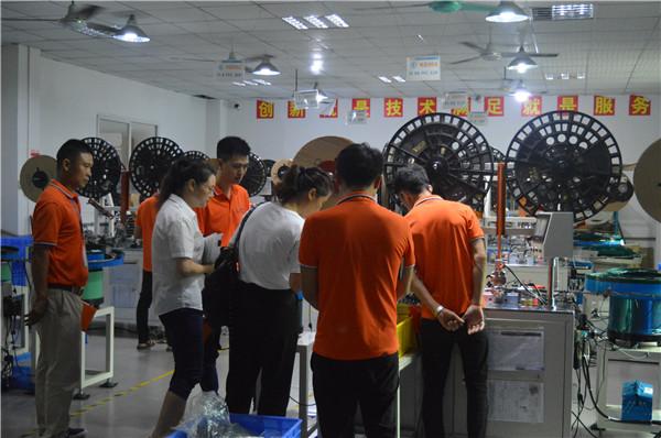 电源连接器生产厂家