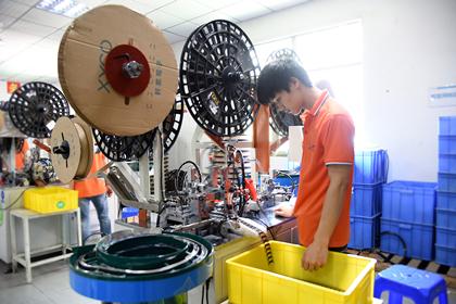 电子连接器组装工序应注意的事项及品质要求「轩业」