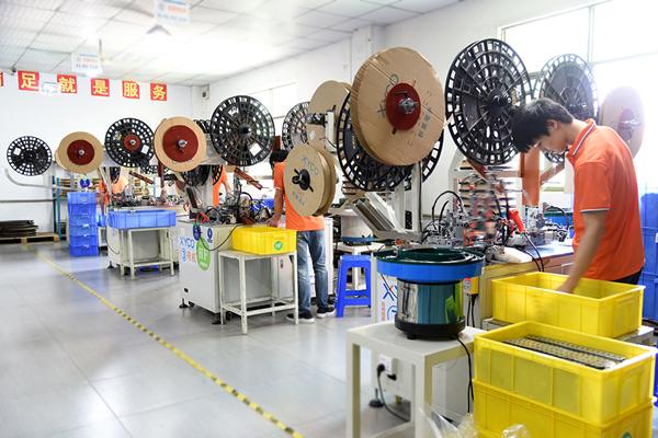 选择连接器生产厂家,他们做到了当天快速交货!「轩业」